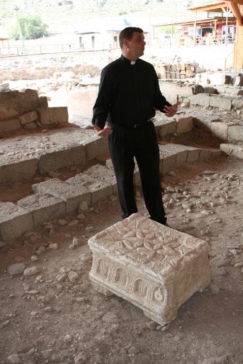 Magdala padre Antony pietra IMG_8651